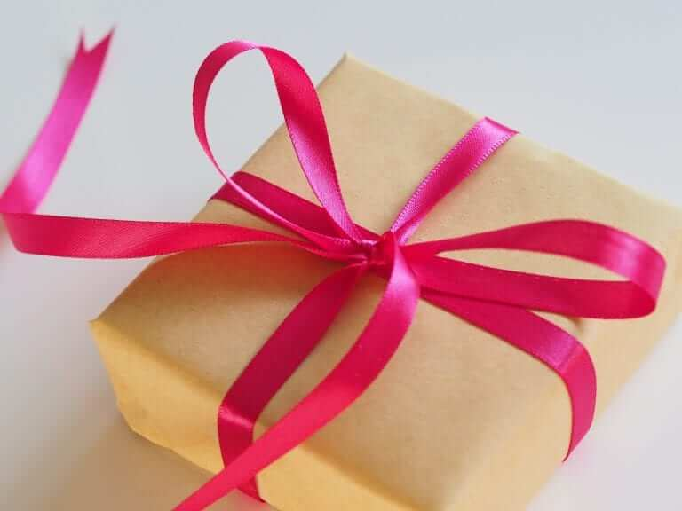 Kraammand gift wrap