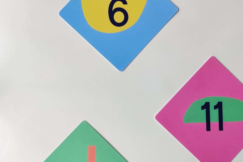 Mamahoela baby milestone cards set flatlay